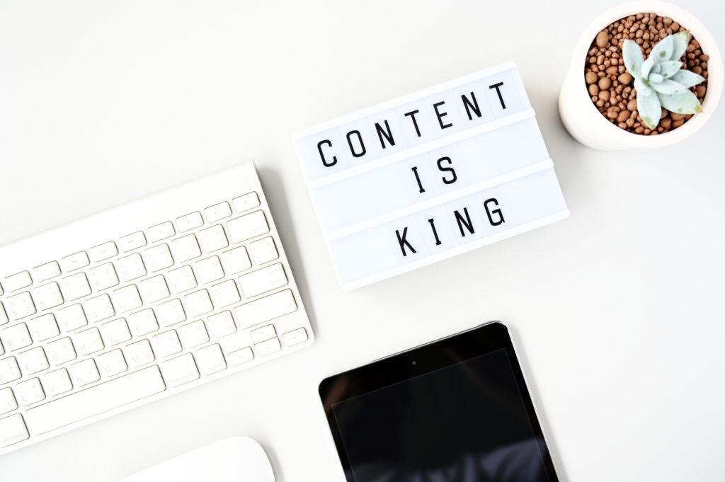 Düzenli olarak kaliteli içerik yayınlamak başarılı olmak isteyen bloggerlar için zorunluluktur.